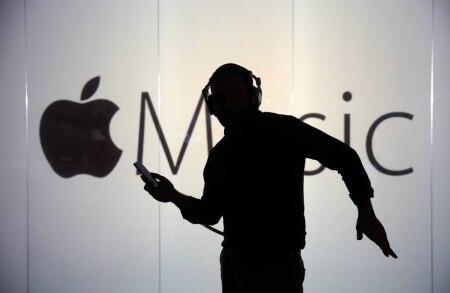 http://link.estadao.com.br/noticias/empresas,apple-music-esta-proximo-de-superar-spotify-em-assinantes-nos-eua,70002178945