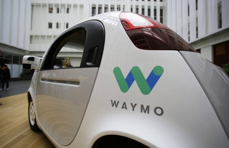 http://link.estadao.com.br/noticias/empresas,uber-e-google-chegam-a-acordo-em-caso-de-roubo-de-tecnologia,70002184618