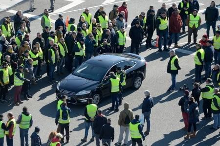 https://link.estadao.com.br/noticias/empresas,uber-e-cabify-suspendem-servico-em-barcelona-apos-nova-restricao,70002702168