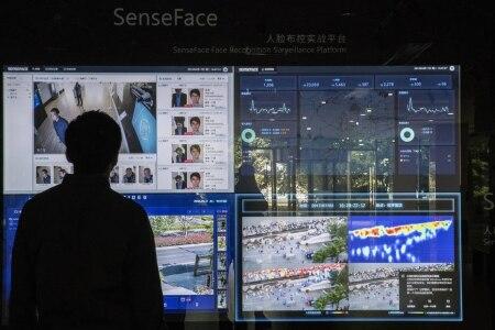 https://link.estadao.com.br/noticias/geral,em-um-mes-china-escaneia-500-mil-rostos-usando-ia-para-tracar-o-perfil-de-uma-minoria-etnica,70002807339