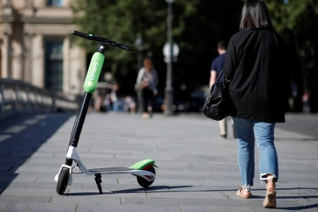 https://link.estadao.com.br/noticias/empresas,uber-comecou-a-desenhar-projeto-de-patinete-eletrico-diz-agencia,70002480644