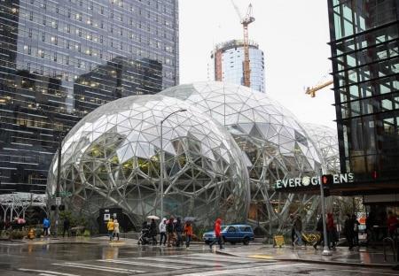 https://link.estadao.com.br/noticias/empresas,amazon-desiste-de-construir-segunda-sede-em-nova-york,70002721523