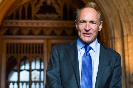 https://link.estadao.com.br/noticias/cultura-digital,web-precisa-ser-repensada-para-evitar-ideias-nefastas-diz-tim-berners-lee,70001733572