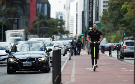 https://link.estadao.com.br/noticias/inovacao,scoo-estreia-servico-de-patinetes-em-estacoes-da-linha-4-amarela,70003129354