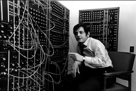 https://link.estadao.com.br/noticias/cultura-digital,joel-chadabe-experimentador-da-musica-eletronica-morre-aos-82-anos,70003729687