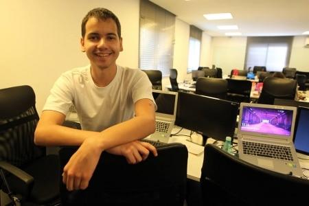 http://link.estadao.com.br/noticias/inovacao,empreendedor-de-22-anos-cria-startup-de-marketing-digital,10000062331