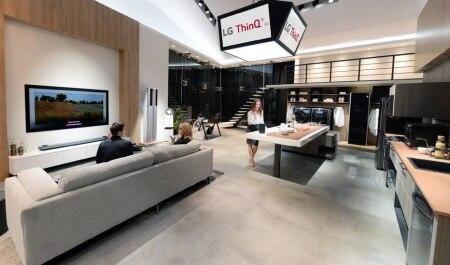http://link.estadao.com.br/noticias/empresas,ces-2018-lg-aposta-em-inteligencia-artificial-para-conectar-sua-casa,70002142952