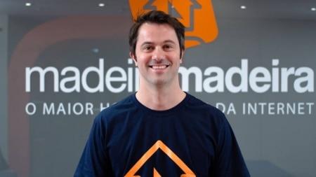 https://link.estadao.com.br/noticias/inovacao,nenhum-consumidor-sera-100-offline-ou-100-online-diz-ceo-da-madeiramadeira,70003482346