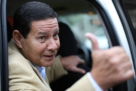 https://link.estadao.com.br/noticias/geral,mourao-diz-que-brasil-vai-manter-huawei-entre-fornecedores-de-redes-5g,70002860932