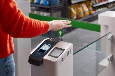 https://link.estadao.com.br/noticias/empresas,novo-sistema-da-amazon-permite-pagamento-a-partir-do-reconhecimento-das-maos,70003456437