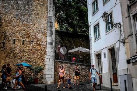 https://link.estadao.com.br/noticias/geral,pandemia-muda-o-jogo-das-cidades-europeias-contra-o-airbnb,70003502739