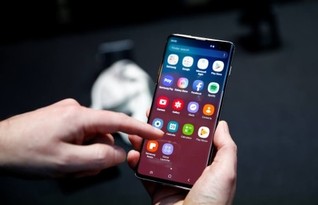 https://link.estadao.com.br/noticias/gadget,samsung-galaxy-s10-se-mantem-como-referencia,70002793856