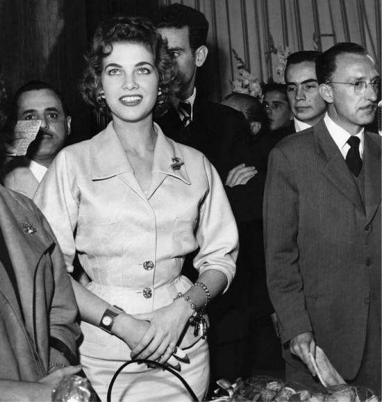 A miss BrasilMartha Rocha, vice-miss universo em 1954, na entrega do Prêmio Saci em São Paulo em 15 de novembro de 1954.