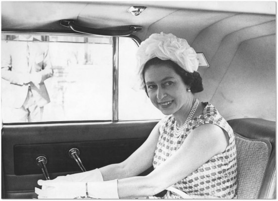 A rainha Elizabeth II, da Inglaterra, durante visita ao Brasil em 1968. Cliqueaquipara ver mais fotos