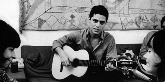 Os músicosChico Buarquee Nara Leão durante encontro no Rio de Janeiro, 1968.