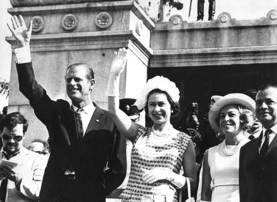 A rainha Elizabeth II e o príncipe Philipvisitam oMuseu do Ipiranga,São Paulo, SP, 06/11/1968.