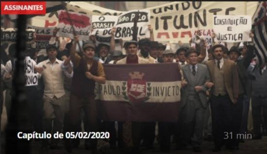 Imagens do capítulo onde Carlos leva um tiro durante manifestação em São Paulo.Reprodução/ Globo