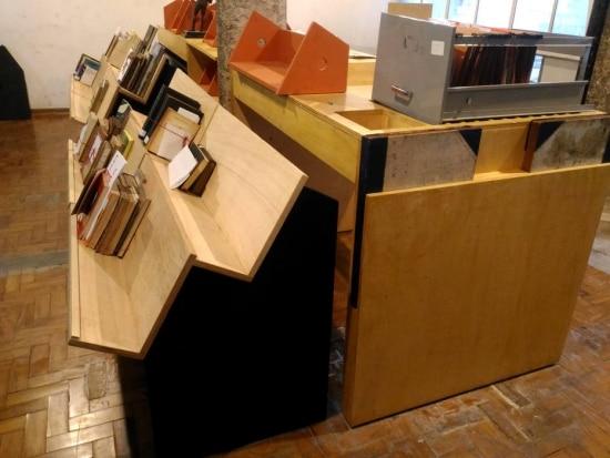 Detalhes do móveis feitos conforme as características do acervo - CEE/Acervo Estadão