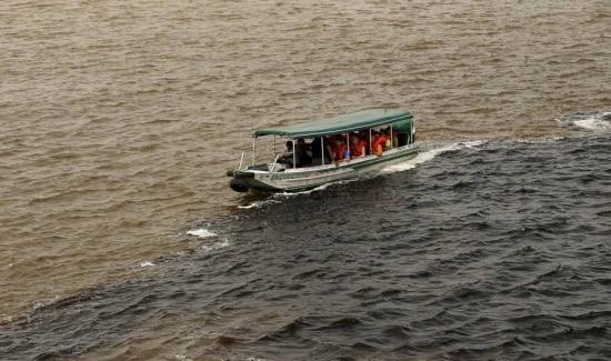 Encontro do Rio Negro com o Rio Solimões, próximo a Manaus; fauna local seria afetada com nova autorização