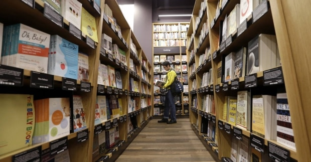 Veja como é a primeira livraria física da Amazon nos EUA