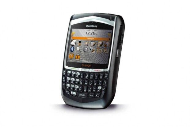 BlackBerry 8700