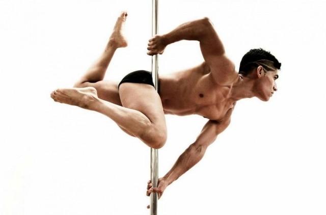O peruanoRenzo Zerga é um dos instrutores de pole dance do Studio Metrópole