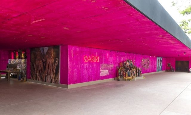 Vista geral do pavilhão do Cariri, no Jockey Club, revestido comchapas de MDF