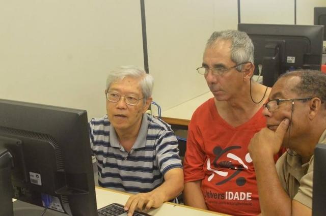 Trabalhadores com mais de 60 anos são alvo de preconceito no ambiente de trabalho por serem mais velhos