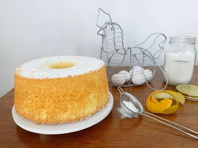 Suco de mexerica dá sabor à massa leve e fofinha do bolo chiffon.