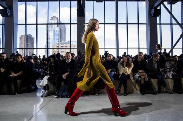 Desfile da Lacoste abre o terceiro dia da Semana de Moda de Paris