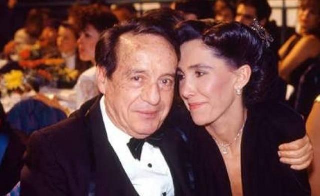 Roberto Bolaños e Florinda Meza, casal de artistas que interpretou Chaves e Dona Florinda.