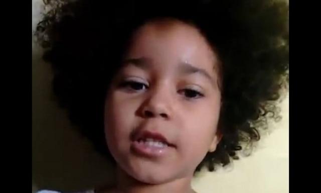 Elis, de quatro anos de idade, combate o preconceito como gente grande