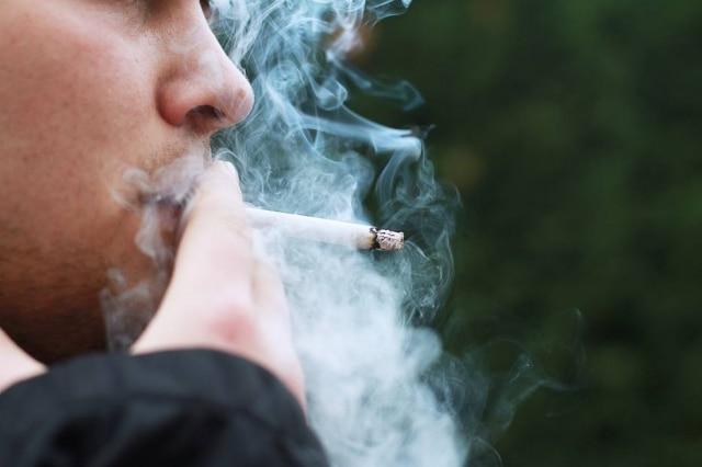O vício em nicotina está muito relacionado acomportamentos associados ao hábito.