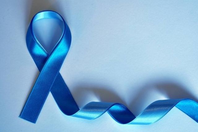 A campanha Novembro Azul busca conscientizar a popução, principalmente os homens, sobre o câncer de próstata e a saúde integral masculina.