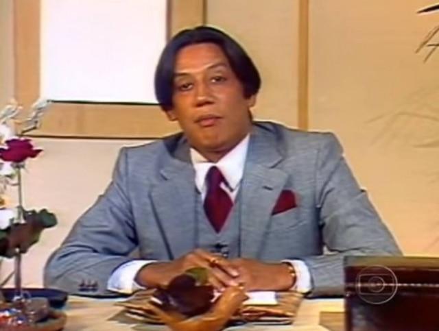 O apresentador Clodovil Hernandes, à época em que apresentava o 'TV Mulher'
