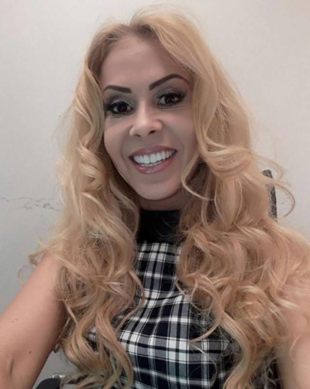 A cantora Joelma contou sobre sua infância e relacionamentos durante participação no programa 'Melhor da Tarde'