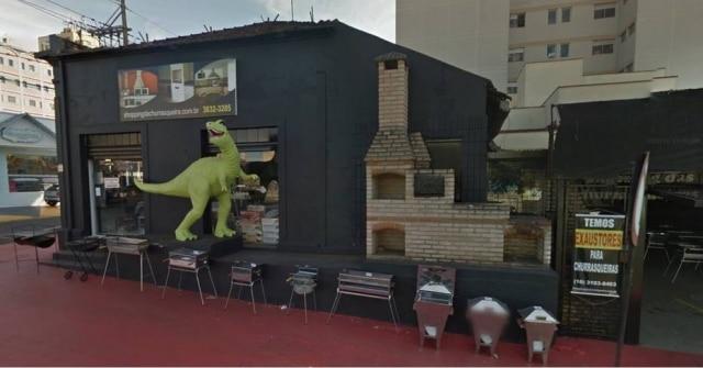 Estátua de dinossauro era ponto de referência em Ribeirão Preto