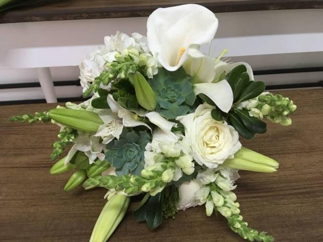 Arranjo produzido pela Decora Flores, que oferece oito cursos diferentes de arranjos florais