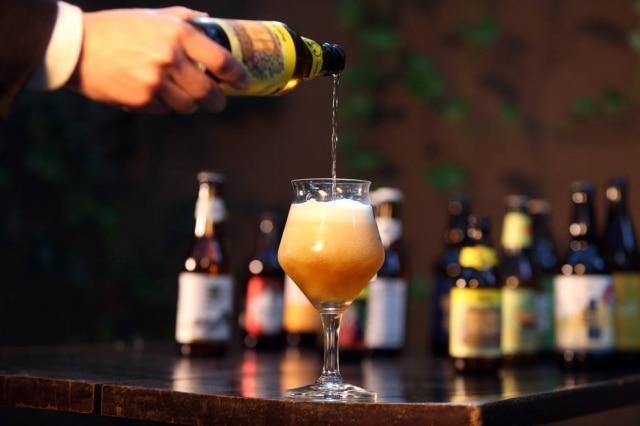 A cerveja da casa está virando mania nos restaurantes descolados de São Paulo