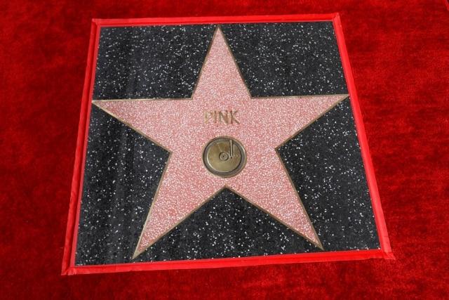Estrela de Pink na Calçada da Fama.