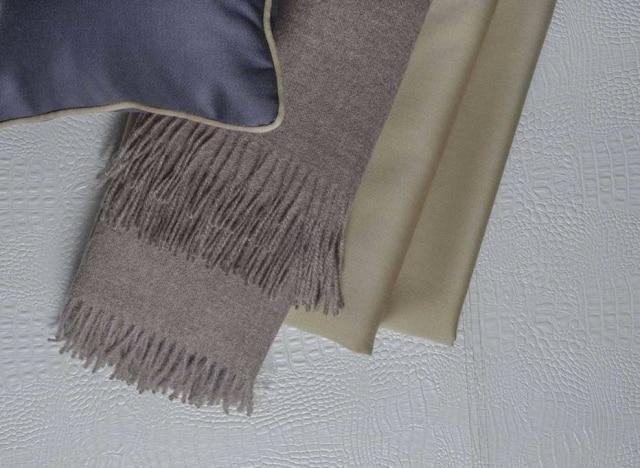 Lã natural no formato de chalés e nacapa de almofada