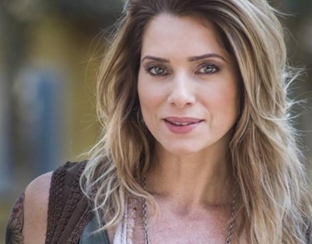 Leticia Spiller como a personagem Lenita em 'Sol Nascente'