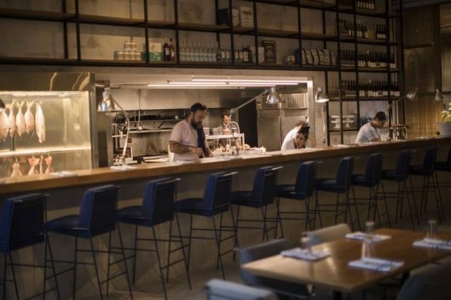 Não é bar, mas é o Brasero Atlântico é mais recente empreendimento de Tato Giovanonni, dono do premiado Florería Atlántico, em Buenos Aires