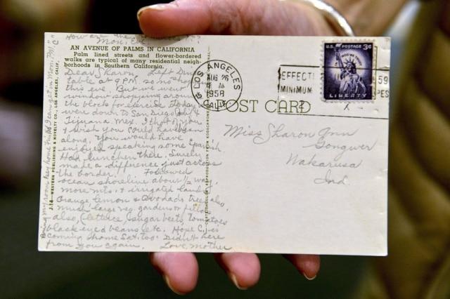 O cartão-postal foi enviado em 1958.