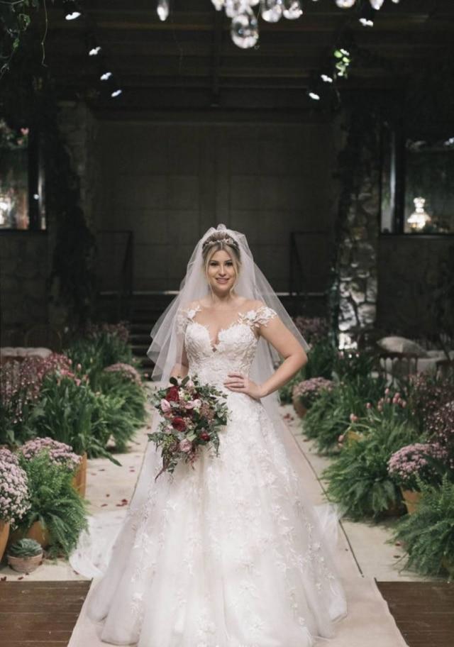 O vestido foi assinado pela estilista gaúcha Solaine Piccoli