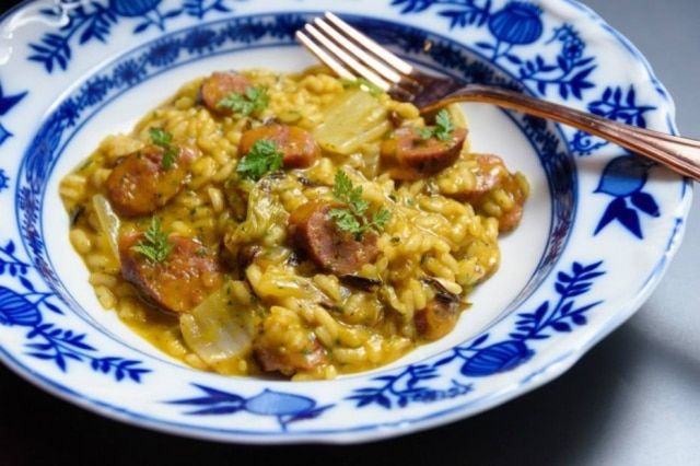 Risoto de linguiça de cordeiro com abóbora, acelga e queijo araxá, de Bel Coelho