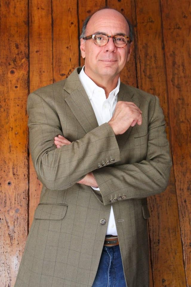 O antiquário e restaurador carioca, Arnaldo Danemberg