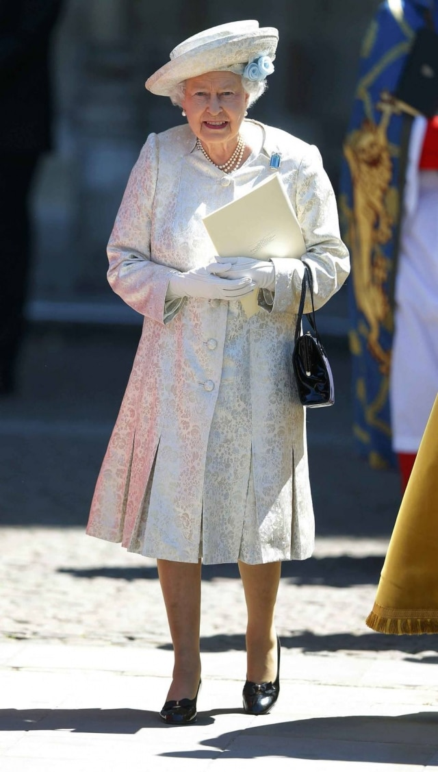 O estilo da rainha Elizabeth II ficou conhecido por conta de seus tailleurs coloridos e chapéus combinando