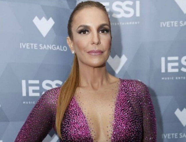 Ivete Sangalode look Michelly X.