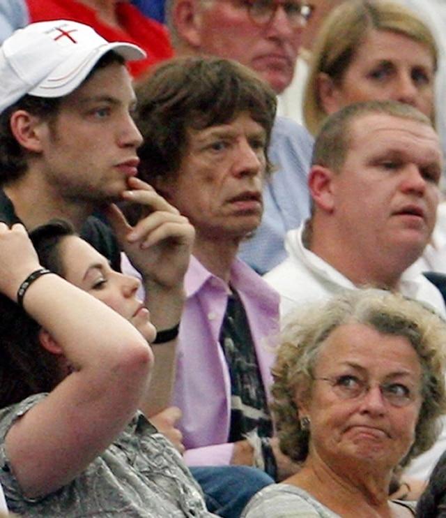 Mick Jagger torcendo pela Inglaterra nas quartas de final da Copa de 2006, diante de Portugal. O resultado, é claro, foi a eliminação.